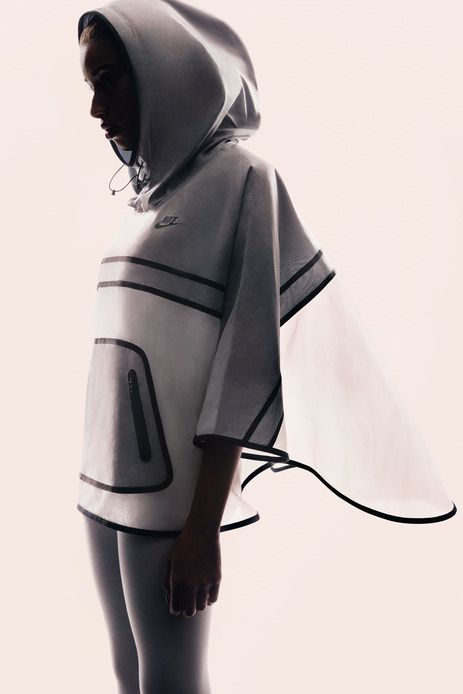 Nike Tech Hyperfuse Poncho