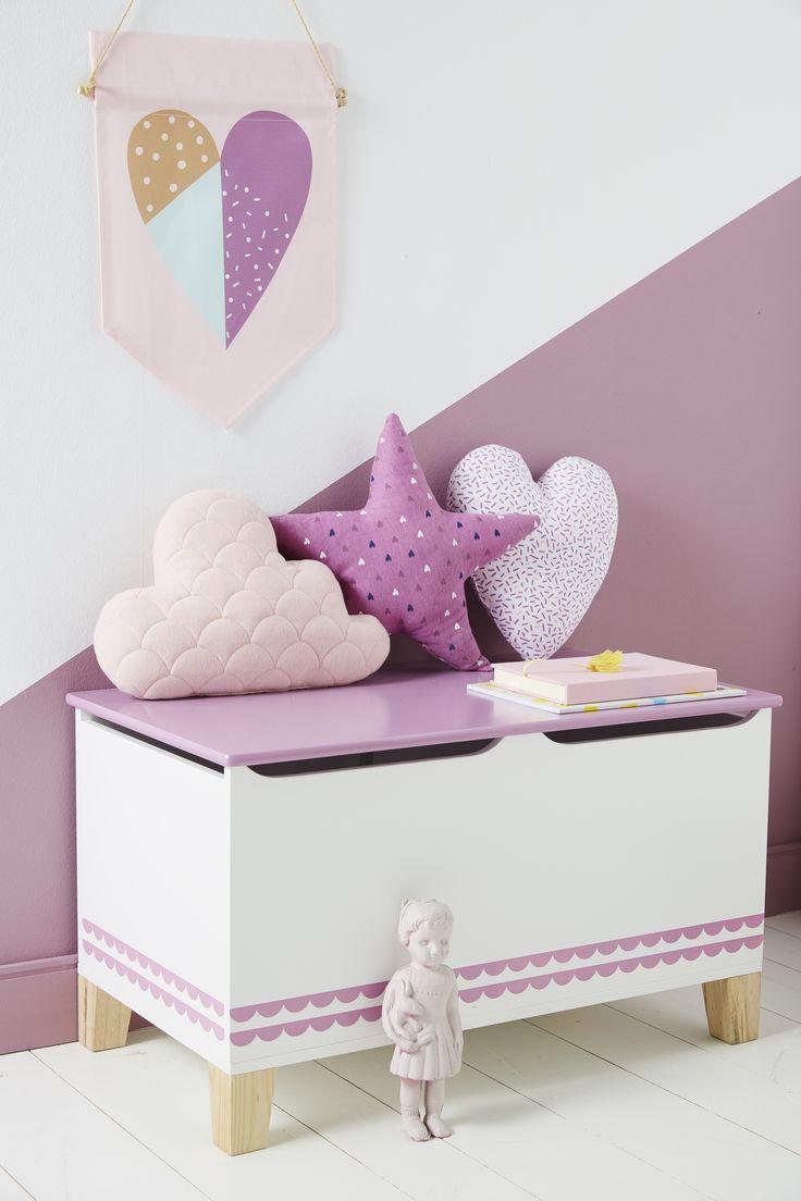 3 petits coussins avec de jolis imprimés qui décoreront poétiquement la chambre de votre enfant !