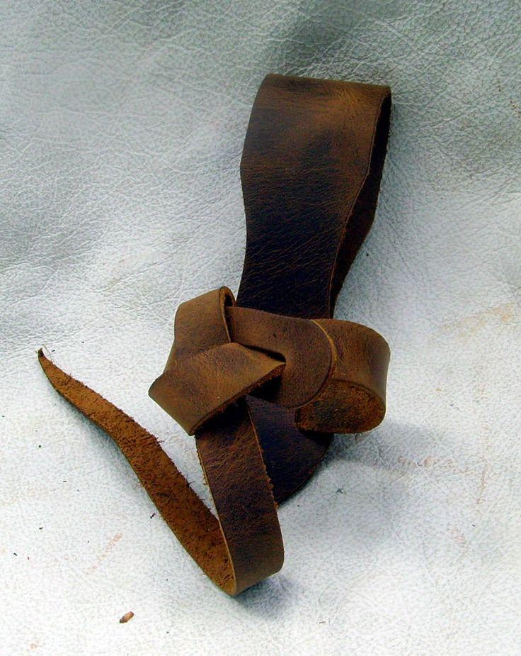 Trinkhorn Gürtelhalter aus Leder passend für alle Trinkhörner in vielen Farben | eBay
