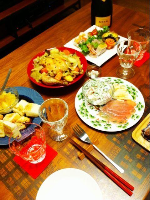 メリークリスマス! - 6件のもぐもぐ - 鶏の丸焼き、エビマヨと生ハム&パルミジャーノレッジャーノ、デパ地下オードブル、自家製リンゴジャム by 二宮みさき