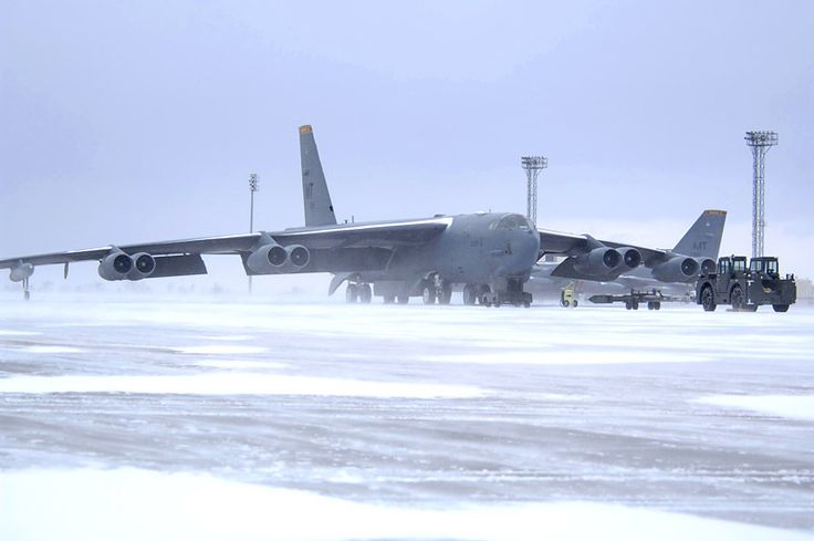 Image detail for -MINOT, N.D. — A B-52 bomber at the Minot Air Force Base is testing a jet fuel made partly from coal. The bomber will be tested through February to determine how ...