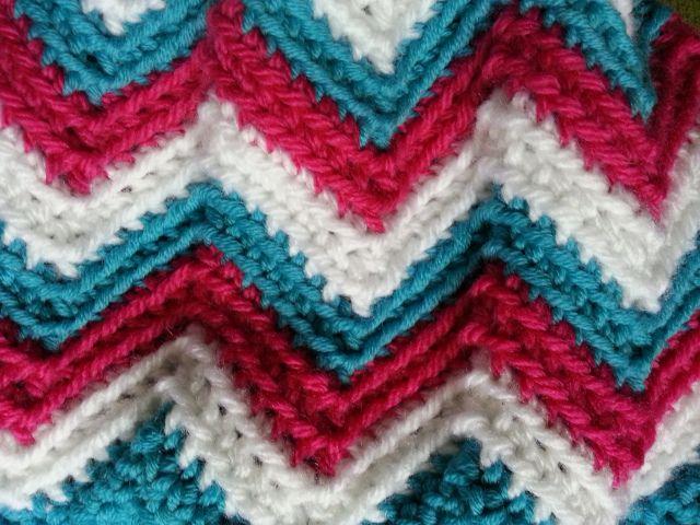 Tutorial: Einfaches Zick-Zack-Muster häkeln | Socken | Pinterest
