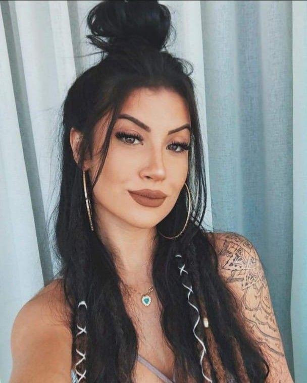 Dread e tatuagem | Cabelo hippie, Cabelo dread, Cabelo longo
