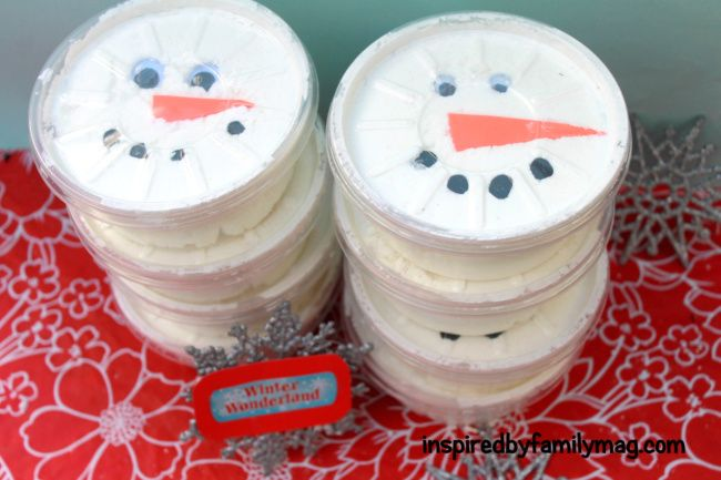 Winter Party Favors: DIY Snow DoughParty Favors, Christmas Parties, 4Th Birthday, Birthday Parties, Parties Favors, Snow Dough, Ice Cream, Parties Ideas, Birthday Ideas
