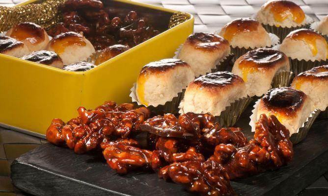 Receta de Bruno Oteiza de mazapanes caseros elaborados con almendra, azúcar, huevo y anís y nueces garrapiñadas con miel de maple, azúcar y agua. Son dulces tradicionales