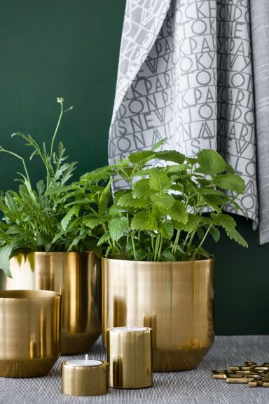 Small metal plant pot | H&M