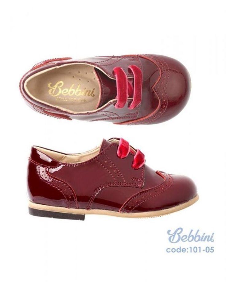 Bebbini Bordo Rugan Bağcıklı Unisex Çocuk Ayakkabısı 159.90  TL 19-20-21-22-23-24-25 numaralar  Bebbini modelleri yüksek kalite hakiki dana/keçi derisi kullanılarak %100 el işçiliği ile üretilmektedir.  Modellerimiz bebek/çocuk ayak anatomisine uygun olarak hazırlanmaktadır.  Ayakkabılarımızın topuk bölümünde kullanılan yumuşak topuk pedi çocukların yumuşak bir zemine basarak ayaklarının rahat etmesini sağlamaktadır.  Ürünlerimizde domuz derisi ya da suni malzeme kesinlikle…