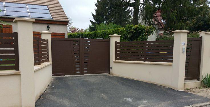 portail en aluminium avec motif ajouré partie centrale