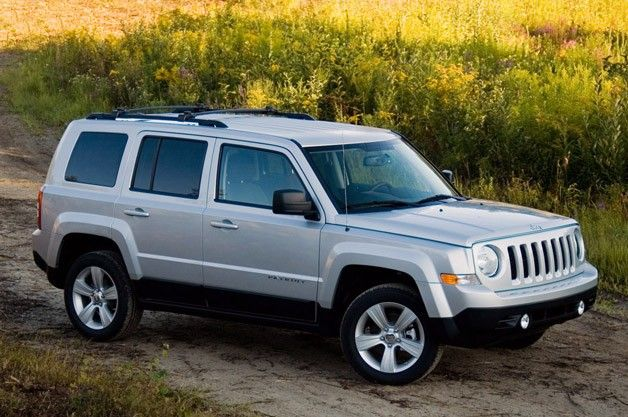 2012 Jeep Patriot Review - After two revisions, the interior has finally atoned for the original.