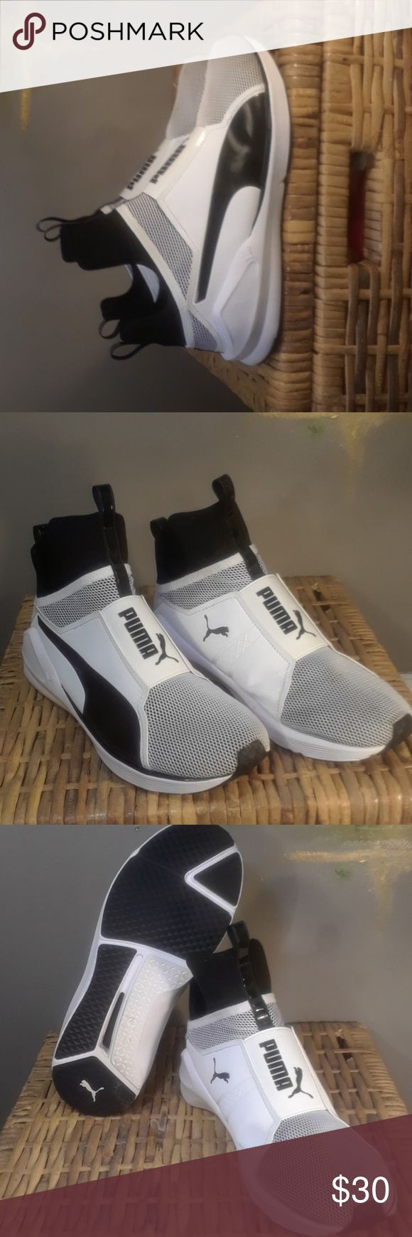 Puma men's size 6 In excellent clean condition. Puma Shoes Sneakers
