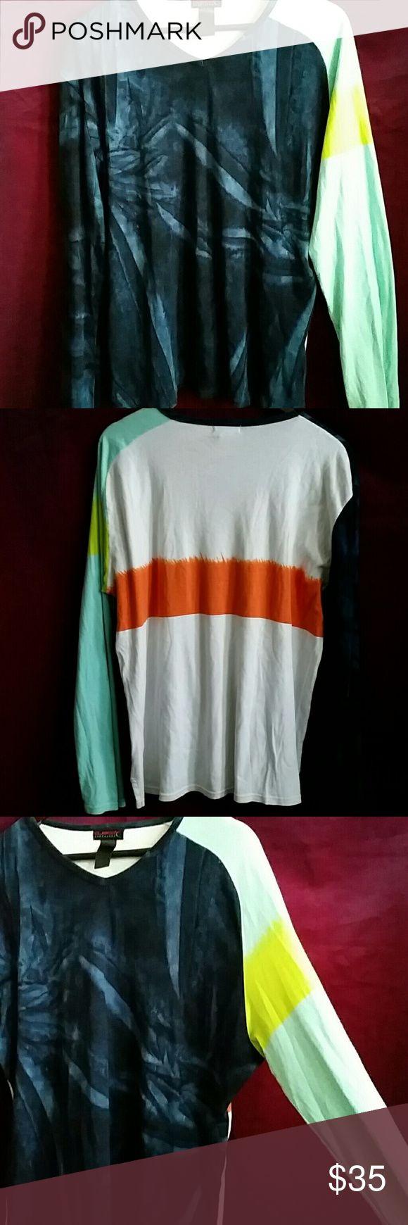 "CUSTO BARCELONA T-Shirt Size XL CUSTO BARCELONA  T-Shirt - Size XL - 28"" shoulder to hem - 49"" under around arms - 27"" sleeve Custo Barcelona Shirts"