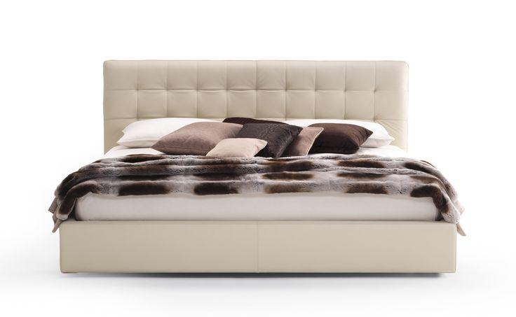 CLEO bed, design by D.BONFANTI - G.MOSCATELLI