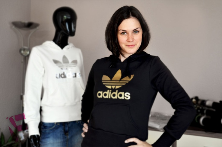 damen adidas originals trefoil logo hoodie schwarz gold logo. Black Bedroom Furniture Sets. Home Design Ideas