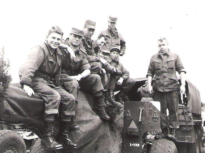 5. kanon på efterårsmanøvren på Lolland i 1963. 335, 309, 303, 336, 402 og 297.
