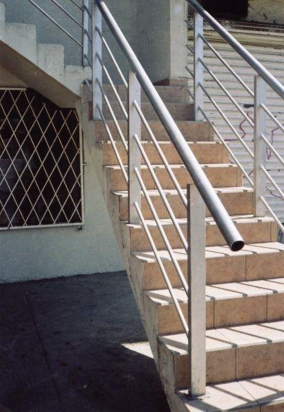Las 25 mejores ideas sobre barandales de herreria modernos - Barandales modernos para escaleras ...