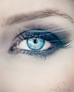 blue eye . makeup . eye shadow . blue
