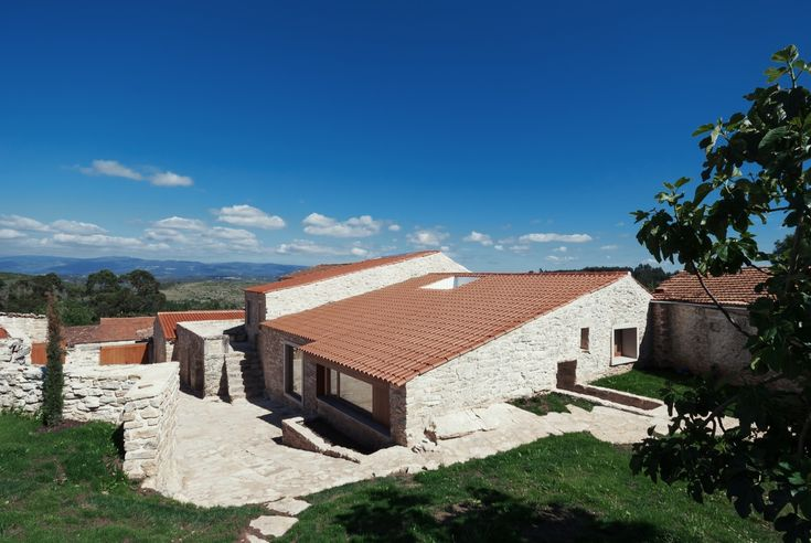Gallery of House in Janeanes / Branco-DelRio Arquitectos - 1