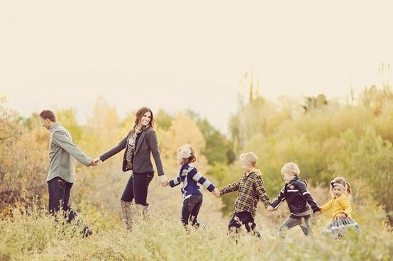27 POSH poses for families!