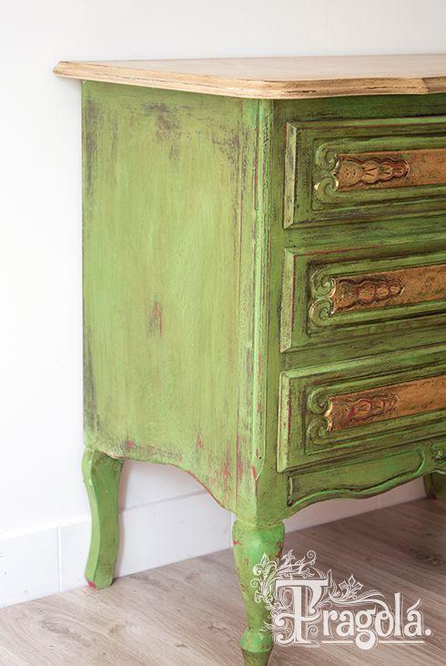 annie sloan chalk paint, antibes green, arles, versailles & dark wax