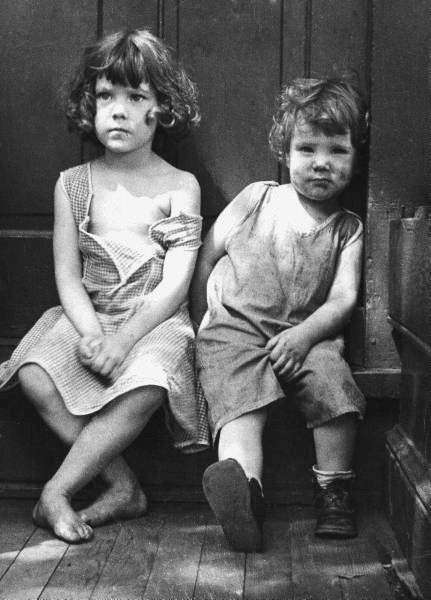 Portrait of extreme poverty 1930s - children of The Great Depression