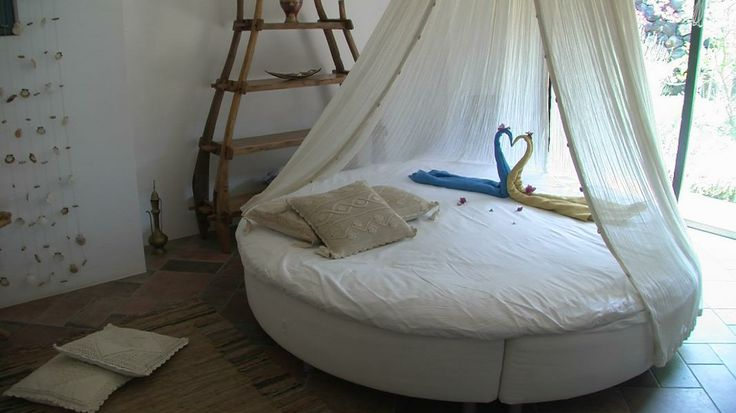 La camera da letto con il baldacchino - Dammuso Le Volte
