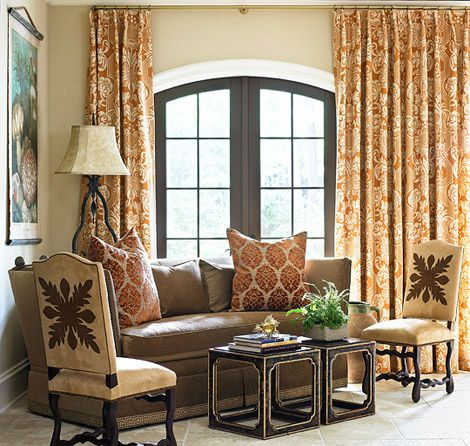 A Hawaiian quilt motif was transformed into an appliqué on these side chairs - Traditional Home® / Photo: Emily Followill / Design: William C. Huff, Jr. and Heather Zarrett Dewberry