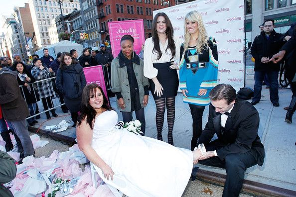 "Khloe Kardashian Photos Photos - The Wedding Central ""If The Shoe Fits"" winner Stacy Steele (C) and  Judges (L-R) Annika Harris, Khloe Kardashian, Ceci Johnson attend the Wedding Central ""If The Shoe Fits"" Stunt at Madison Square Park on November 9, 2010 in New York City. - Wedding Central ""If The Shoe Fits"" Stunt At Madison Square Park"