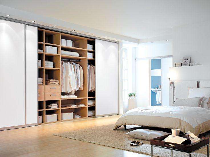 Unique Hier finden die Schiebet ren Anwendung im Schlafzimmer f r einen Kleiderschrank mit Deckenhohen T ren f r maximalen Stauraum Schiebetueren Mehr zum