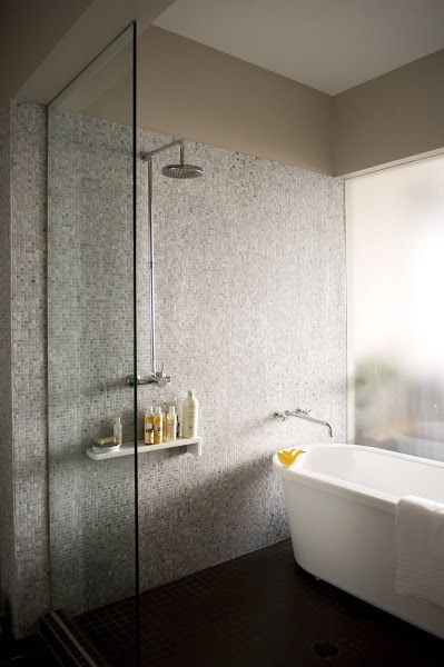 Trending Tuesdays | tubs in showers