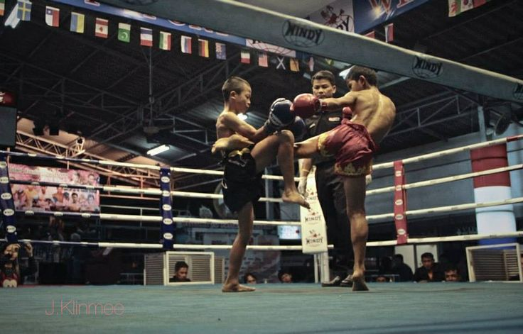 Young boys fight at Thepprasit Stadium in Pattaya #muaythai