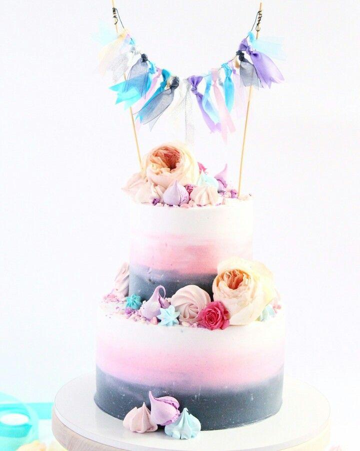 Торт для девушки , девочки. Свадебный торт. Омбре. Нежный торт. Торт с топпером.