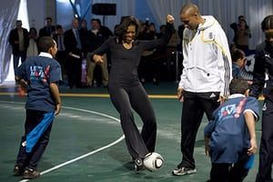 Michelle Obama fitness: First Lady Michelle Obama plays soccer at a soccer clinic
