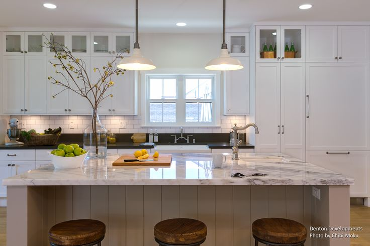 Photo of the Day (Apr. 07, 2015) ­ Architecture Spotlight # 34 | Coastal Plantation | Redondo Beach, CA   See the whole video story for Coastal Plantation here ­ https://youtu.be/3WNABY5OHGw  #interiordesign #kitchen #whitekitchen