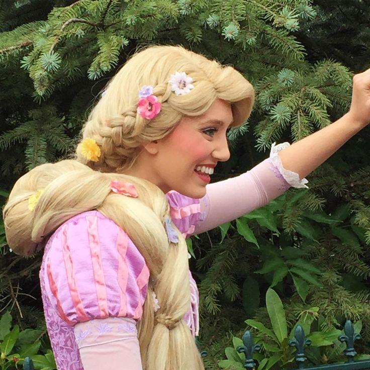 """Go live your D R E A M S "" ✨👑 #rapunzel #quote #dreams #princess  #castmembers#Live #Disneylandparis #DLP #Magickingdom #Disneygram #Instadisney #Disneyphoto #Disneypic #Disneyfan #Disneyaddict #Annualpassholder"