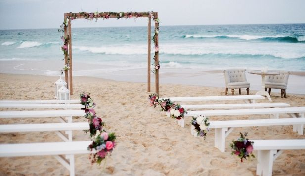 Sunshine Coast Beach Wedding // Planning and Coordination by Wild Heart Weddings // Styling by Simply Style Co // Flowers by Willow Bud Wedding Flowers // Photography by Ale + Kim