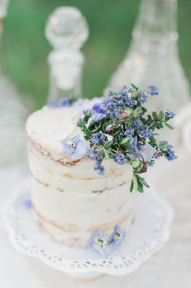 20 Stunning Semi-naked Wedding Cakes | SouthBound Bride | Credit: Christine Williams/Peach Tree & Co./The Sweet Alley