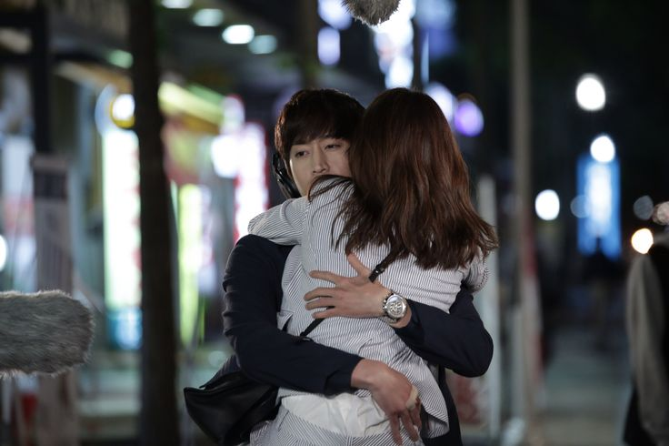 The second hug! Another OH Hae Young.
