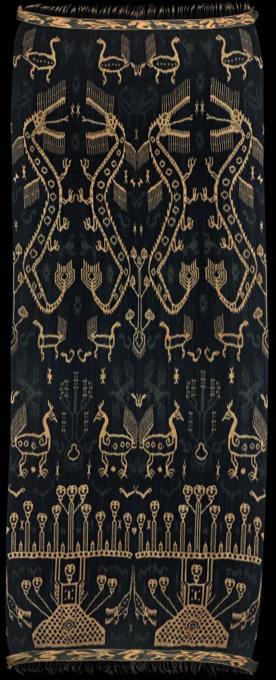 Ikat hinggi kawuru from Rende, East Sumba, Sumba, Indonesia, 1960's.
