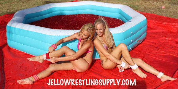 Remove your opponents sweat bands. Jello wrestling rules. Great for competitions in nightclubs!