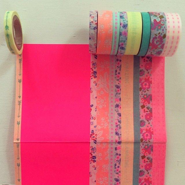 Wat een vrolijke kleurtjes allemaal! Instagrammer Susanne versierde haar neon pink schrift met washitapes van HEMA.