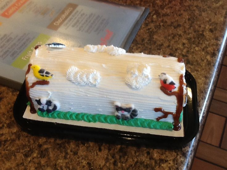 Dairy Queen Log Cake Designs : 99 best images about DQ Cakes on Pinterest Wilton cakes ...