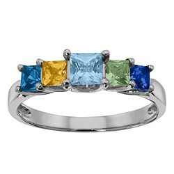 Family ring! I love the idea of having my siblings and parents birthstones together.