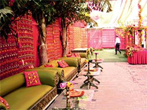 Google Image Result for http://www.indianetzone.com/photos_gallery/19/sangeetdecoration_13459.jpg