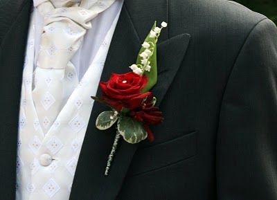 Red Rose Boutonniere Groom | Flower Design Buttonhole & Corsage Blog: Groom's Red Rose Buttonhole