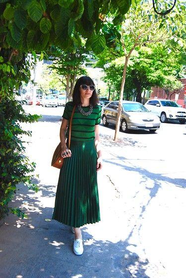 More looks by Helena Branquinho: http://lb.nu/helenabranquinho  #chic #retro #street