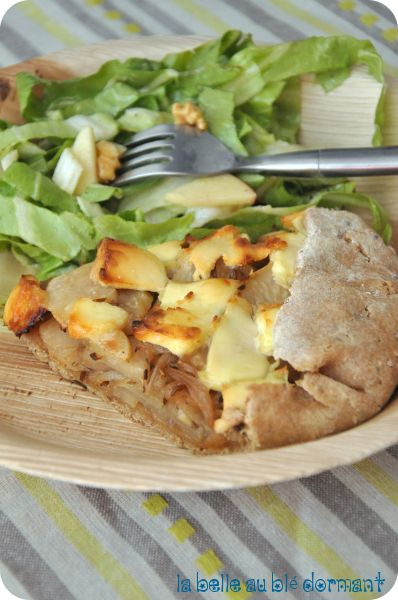 Tarte rustique au chou rave, miel et fromage de chèvre