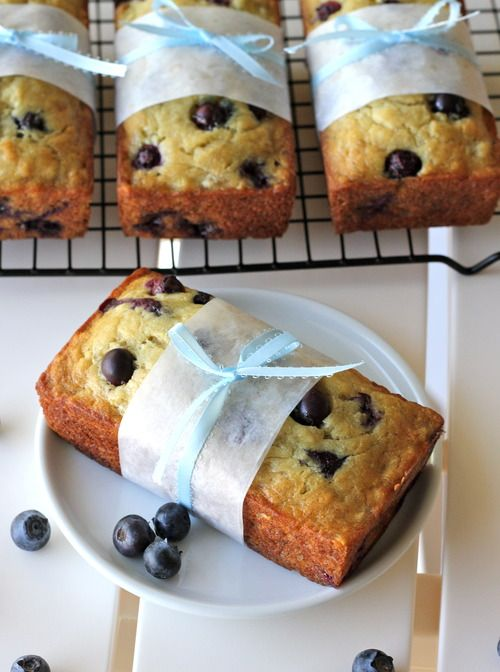 Buttermilk Banana Blueberry Bread - Damn Delicious. Also like the wrapping