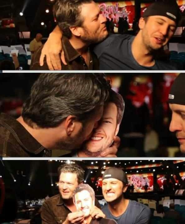 I was so happy to see Bluke back together at the ACMs last night