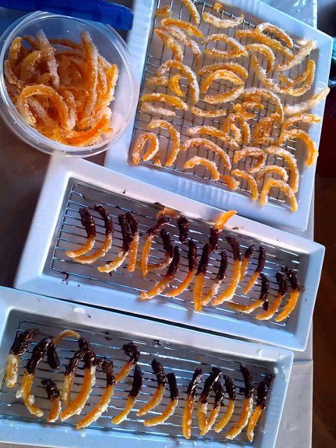 無農薬の夏みかんで。 せっかくだから2種類作ったよ。 チョコレートはバレンタインの残りもの…。 でも、ゴディバw。 - 42件のもぐもぐ - 夏みかんピール・チョコオランジェ by SakuraGozen