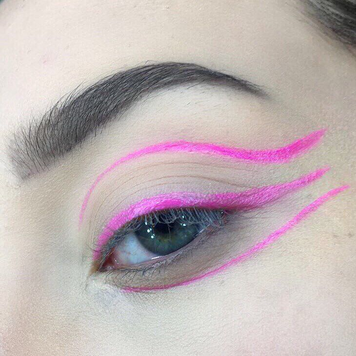 Pink liner �� . . . . ~Using @makeuprevolution lipstick from the advent calendar #makeup #motd  #liner #instamakeup #pink #lipstick #maybelline #benefit  #collection #eyebrows #aspiringmua #kabrow #realtechniques #makeupobsession #makeuprevolution #goshcosmetics #no7#makeup #instamakeup #nomascara #palettes #concealer #foundation #powder #eyes #lashes #base #beauty #revoholic http://ameritrustshield.com/ipost/1549833439577703589/?code=BWCHU1LDQSl